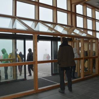 0020 Nordkapphallen, alle venter på at tåka skal lette