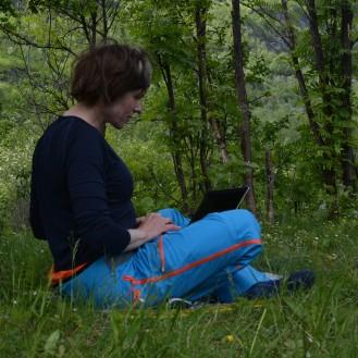 0141 Campingplass Birtavarre, innerst i Kåfjord. Jeg skriver blogg.