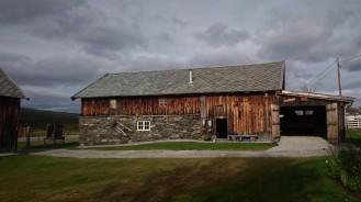 Rett over fylkesgrensa til Hedmark gikk jeg forbi denne gården